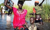 A young mother of the Nuer ethnic group in South Sudan. Since the outbreak of the civil war in 2013, more than two million people have become refugees.