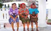 Kuna women in their traditional dress.