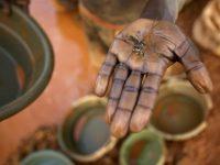 Mozambique. Gold diggers
